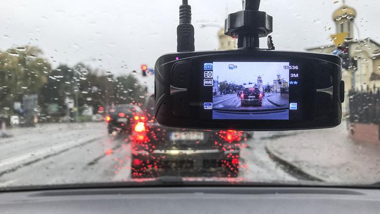 Kamera do auta - idealny prezent dla każdego kierowcy