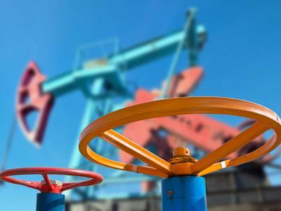OPEC podwyższa prognozy produkcji - konsumpcja ropy rośnie w Europie i Chinach