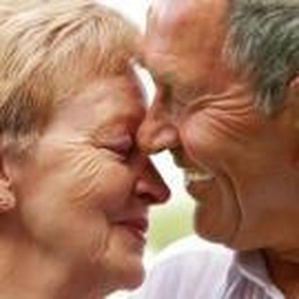 Osoby należące do OFE i otrzymujące emeryturę zagraniczną będą miały ją uwzględnianą przy wyliczaniu emerytury minimalnej w Polsce