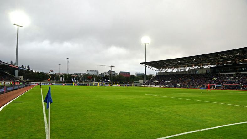 Laugardalsvollur, czyli stadion w Islandii. Latem