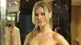 Joanna Krupa w seksownej kreacji z dekoltem. Ale ona ma ciało!