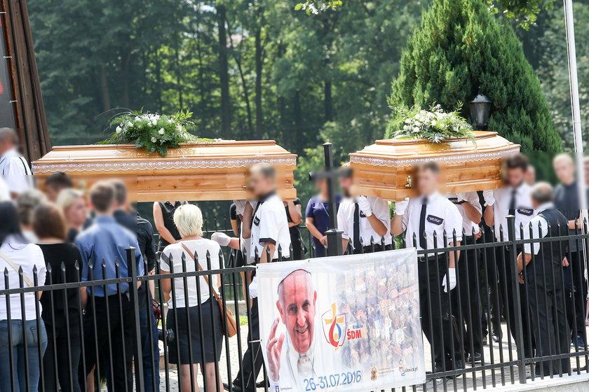 Siostry spoczęły na cmentarzu w Krzyszkowicach