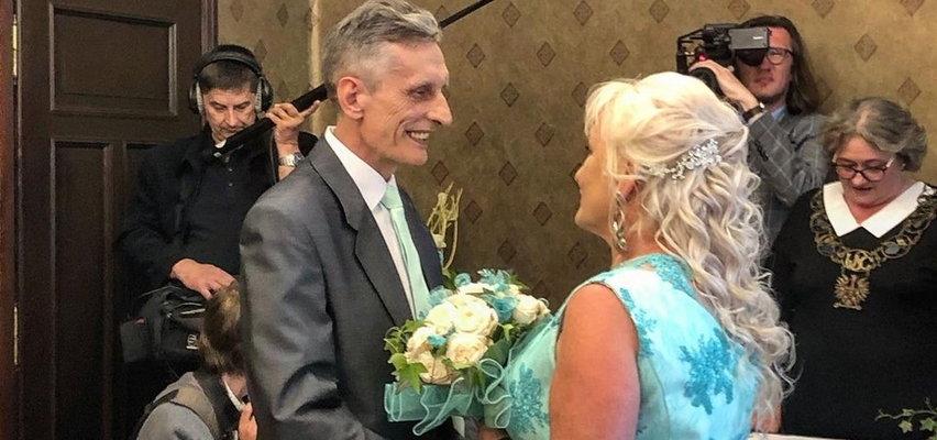"""Uczestnik """"Sanatorium Miłości"""" wziął ślub z młodszą partnerką. Jest zdjęcie z uroczystości!"""