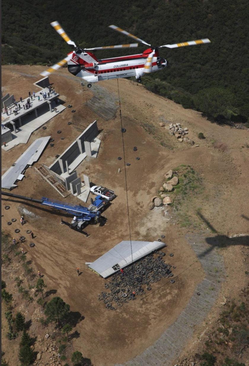 Kompleks budynków zrobiono z części samolotu
