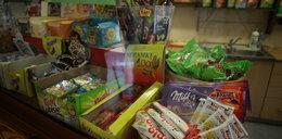 Śmieciowe jedzenie wciąż w szkolnych sklepikach
