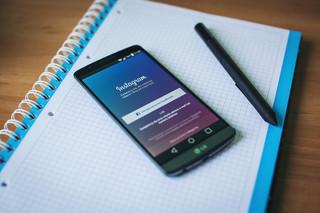 Koniec z reklamą e-papierosów. Facebook i Instagram będą kasować konta