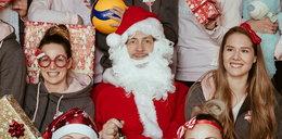 Francuski trener rozdaje prezenty. Antiga został Świętym Mikołajem