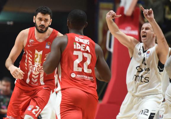 Detalj sa poslednjeg večitog derbija u košarci između KK Crvena zvezda i KK Partizan