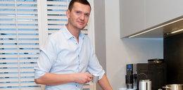 Polski projektant mody. Zobacz, co ma w WC!