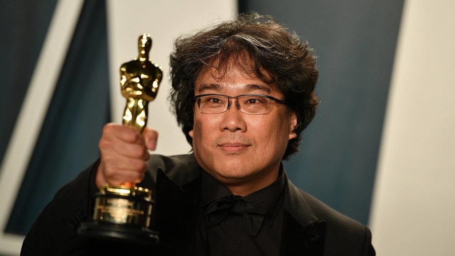 Bong Joon-ho ze statuetką Oscara - 2020 r.