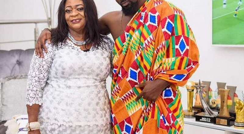 "This video of Sarkodie's mum rapping to ""Bleeding"" is funny as hell"