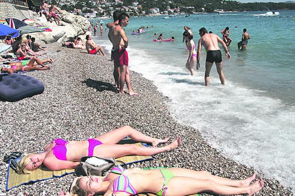 Ako krećete na more, IMAMO LOŠE VESTI: Grčka, Hrvatska i Crna Gora u HLADNOM TALASU, evo kad će tek biti za kupanje