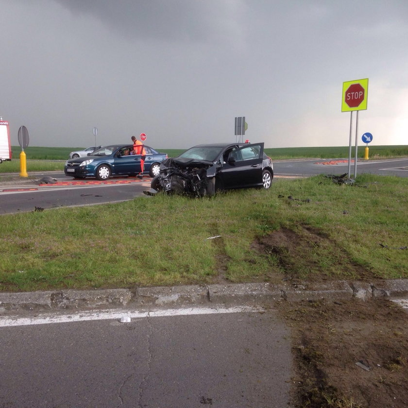 Wypadek na skrzyżowaniu  w Reńskiej Wsi