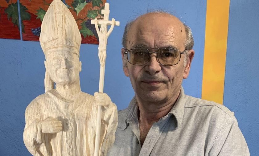 Marian Zbierak wyrzeźbił z zapałek św. Jana Pawła II