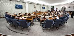 Blamaż opozycji w Senacie. Przepadła preambuła