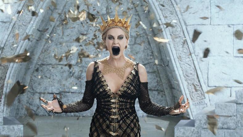 Bardzo zła królowa Charlize Theron