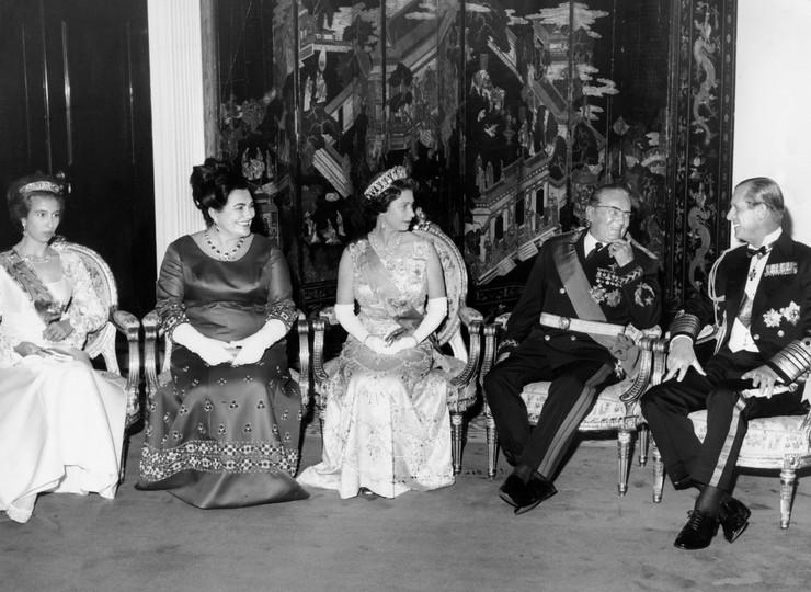 Kraljevski par u poseti Jugoslaviji