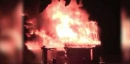 Dom płonął jak pochodnia, a oni przeżyli w środku