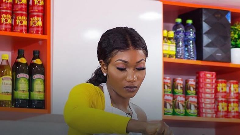 Ghanaian musician, Wendy Shay prepares Wild black butter pepper rice