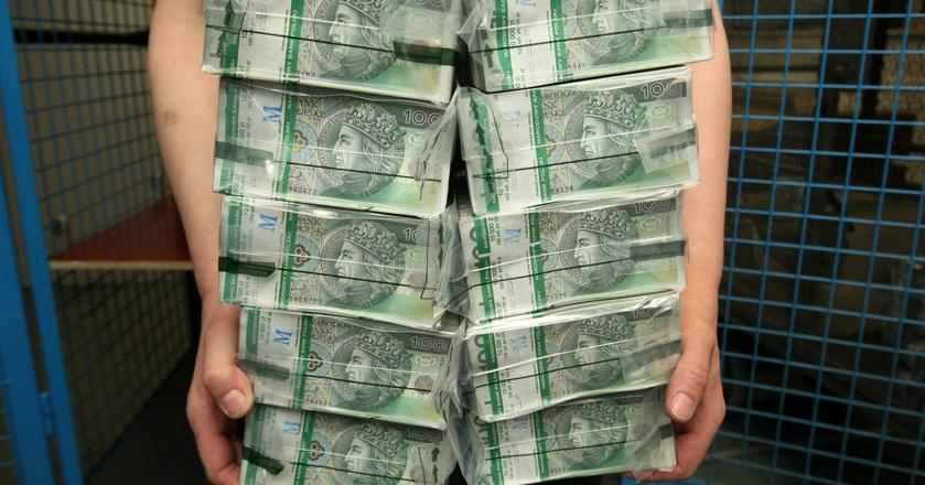 Firmy doradztwa finnsowego sprzedały od początku roku kredytu o wartości milionów złotych