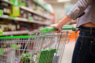 Zmowa dostawcy z pracownikiem sieci nie znosi bezprawności opłat półkowych