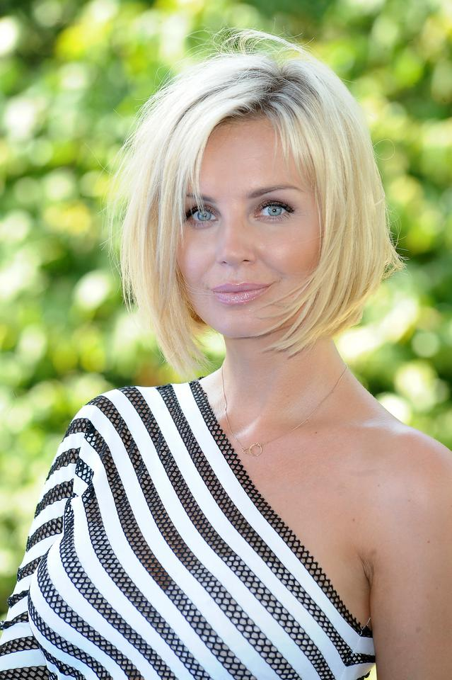 petite-blonde-with-bob