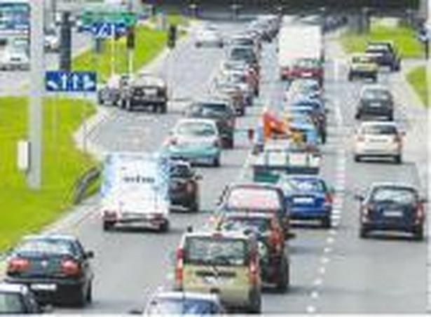 Inteligentny system zarządzania ruchem ma się pojawić na autostradach, których budowa ciągle jest w powijakach Fot. Artur Chmielewski