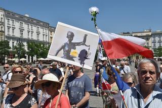 Kraków: KOD manifestował przeciw wyrokowi TK ws. wyboru członków KRS