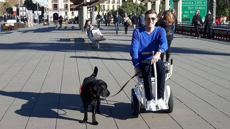 Miłosz Krawczyk z psem Coco