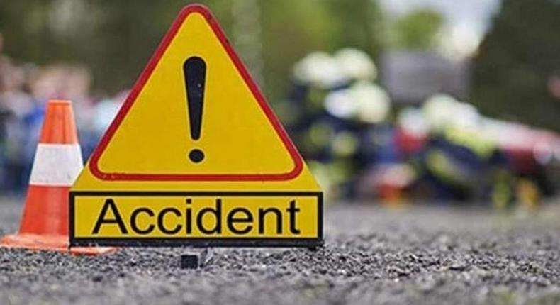 6 killed, several others injured in grisly road accident