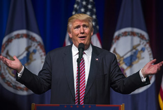 Wizyta Trumpa: Ściśłą tajemnicą objęte są procedury bezpieczeństwa zagranicznych podróży prezydenta USA