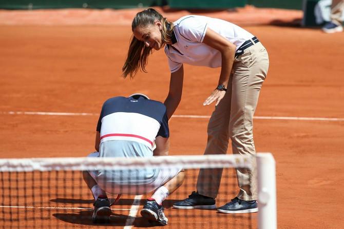 Beli sport je važan deo njenog života
