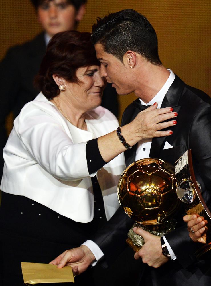 Kristijano Ronaldo, Mama