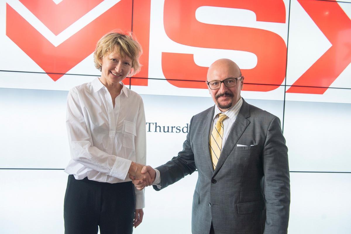 Na zdjęciu Zoe Adamovicz CEO Neufund oraz Joseph Portelli przewodniczący zarządu maltańskiej giełdy
