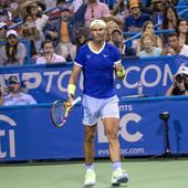 Nadal se vratio na teren posle poraza od Đokovića, PA SE POVREDIO! Španac izgledao užasno i umalo izgubio od 192. tenisera sveta, upitan dalji nastup!