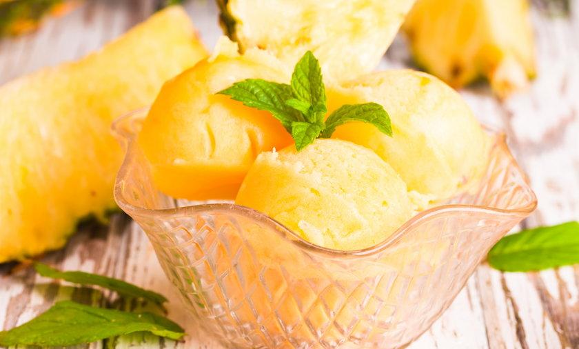 Lody ananasowe