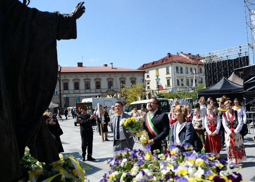 99. urodziny Jana Pawła II. Tak świętowali mieszkańcy Wadowic