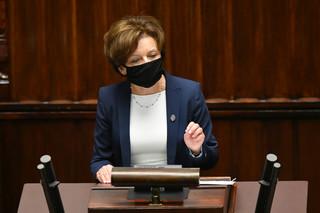 Marlena Maląg przedstawiła funkcjonowanie programu 'Za życiem'. 'Bujda', 'kłamstwo', 'ani słowa prawdy'