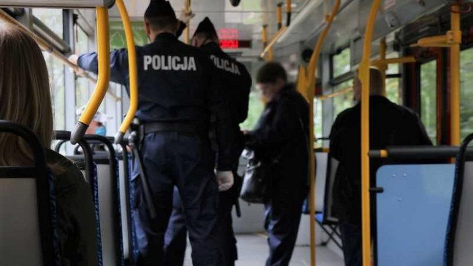Policja w tramwaju