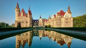 Zamek w Mosznej - 99 wież i wieżyczek
