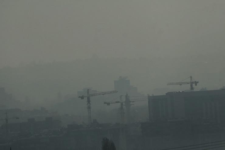 vrijeme-magla-vazduh-gradjevine-01-foto-S-PASALIC