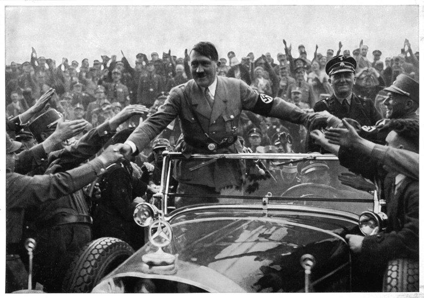 Adolf Hitler i NSDAP to drobiazg na tle osiągnięć w ponadtysiącletniej niemieckiej historii - powiedział polityk