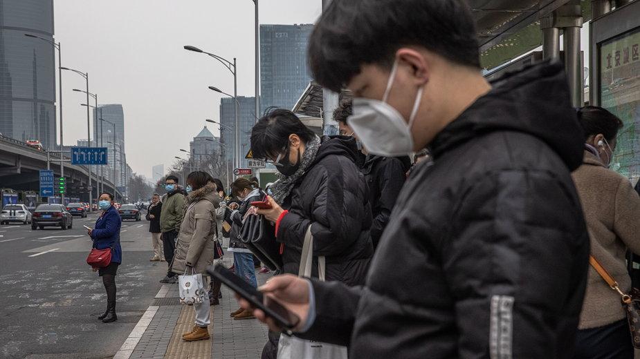 Koronawiurs. Świat patrzy Chińczykom na ręce