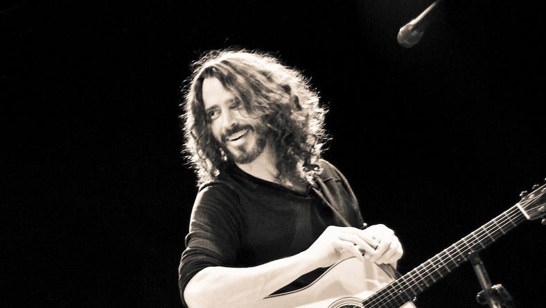 Chris Cornell gra bez prądu