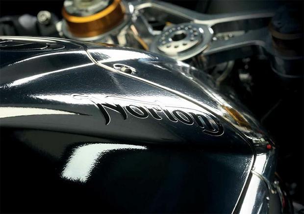 Norton V4 RR