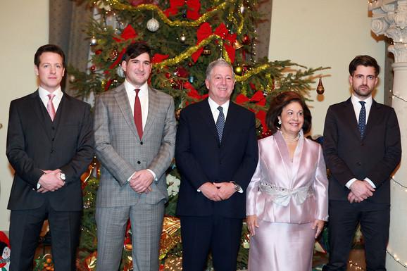 Kraljevska porodica na okupu