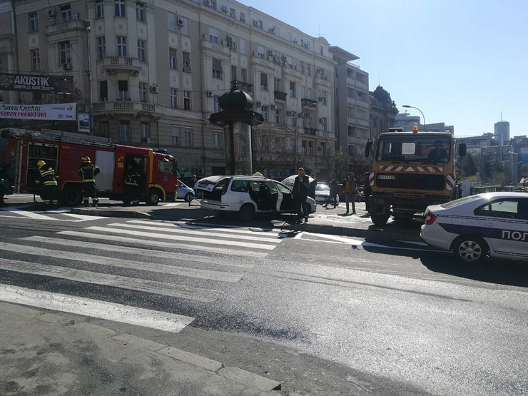 Zapalio se taksi na Zelenom vencu