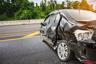 Kosztowne kolizje spowodowane przez Polaków za granicą. Jak uzyskać odszkodowanie za wypadek?