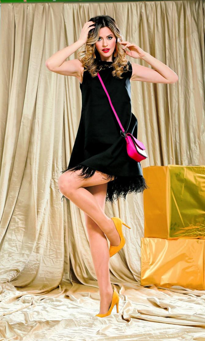 """Haljina i minđuše """"Tiffany"""", ogrlica i minđuše """"P… S… Fashion"""", ašna """"C&A"""",  cipele """"Metro"""","""