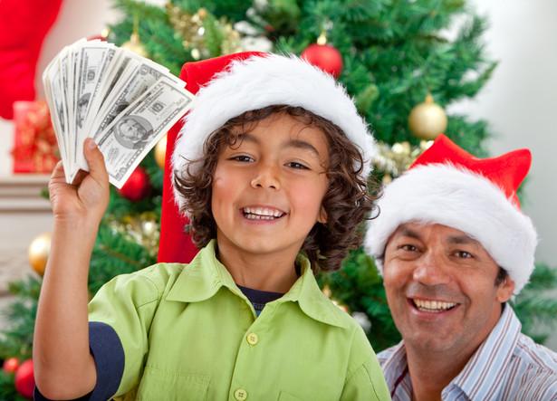Polacy nie mają w zwyczaju kupować prezentów świątecznych z dużym wyprzedzeniem czasowym.